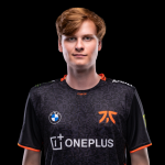 Upset signs for Fnatic to replace Rekkles