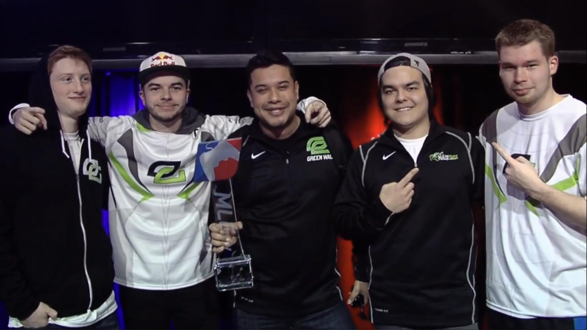 OpTic Gaming con el trofeo del campeonato MLG