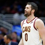 Este intercambio de Cavaliers-Warriors empareja a Kevin Love, Curry