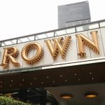 Ken Barton renuncia como director de Crown Resorts