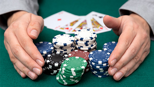 marty-mathis-lead-partypoker-million-super-high-roller-at-halfway-stage_small